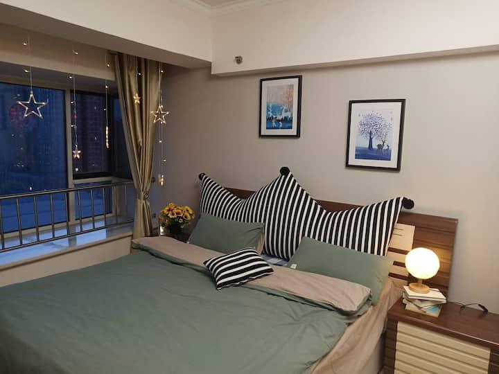 [舒馨民宿]摩尔城长乐宫万达广场温馨大床房