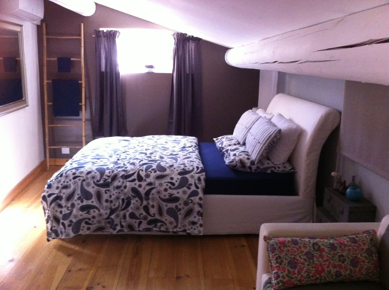 Grande chambre avec literie de qualité