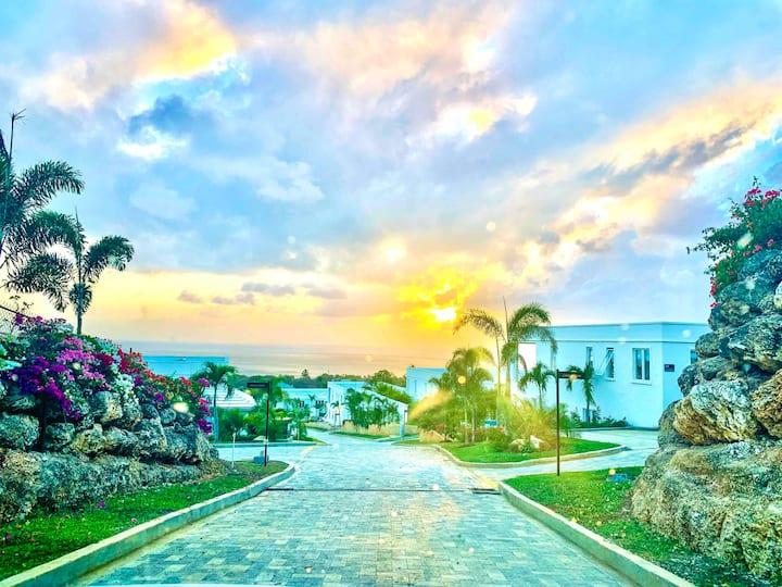 Chic Coastal gem w/Ocean View - Nelda's Paradise