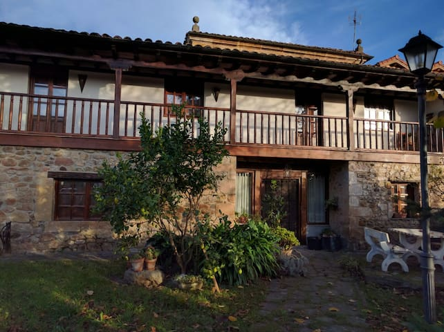 LA CASONA DEL ABAD - Santa María de Cayón