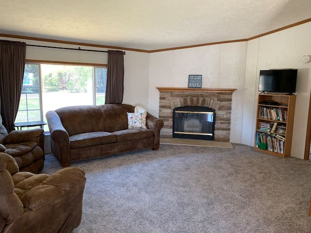 Whole House 3 Bedrooms- Giants Ridge, Many Lakes