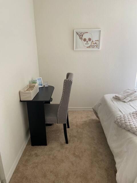 Pretty Prívate Room