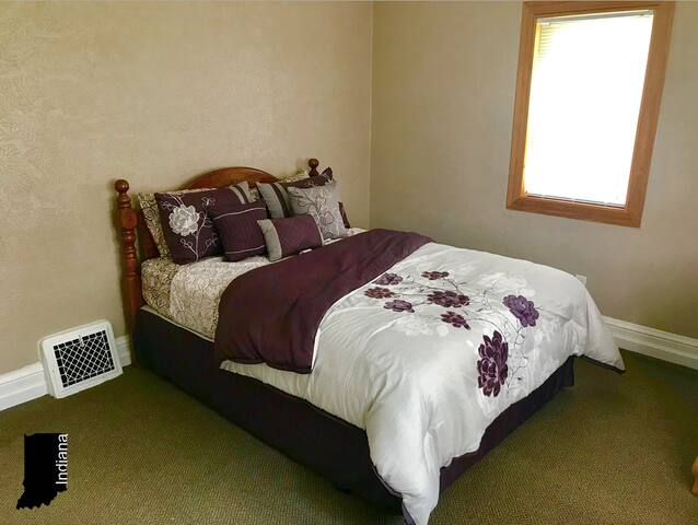 Private Bedroom 3.1 mi to ND