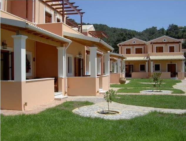 Erikousa Villas - House 2 - 80m from the beach - Ereikoussa - 一軒家