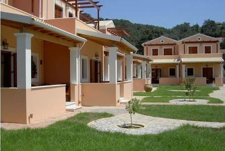 Erikousa Villas - House 2 - 80m from the beach - Ereikoussa - Ev