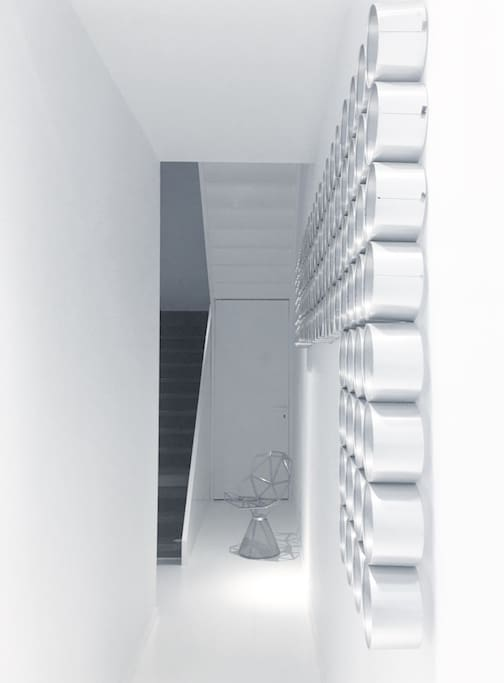 Entrance of white Room