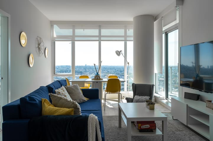 Luxurious yet Homey Condo w/ Killer Views