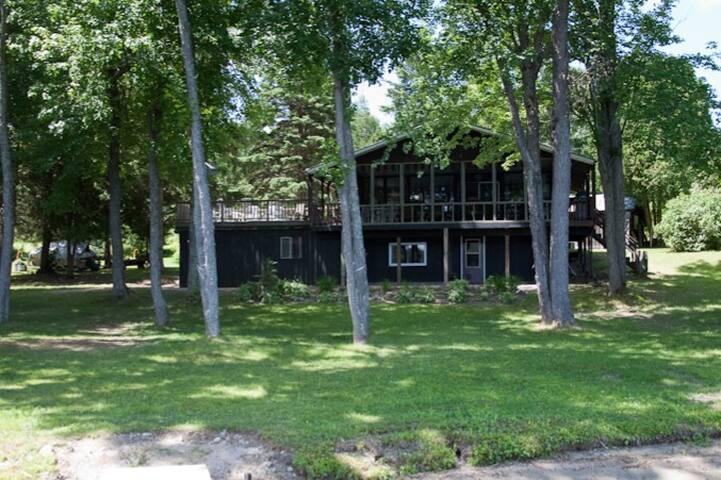 Shields Point Cottage - Bonfield - กระท่อม