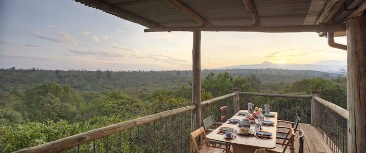 Home with stunning views of Mount Kenya, Burguret