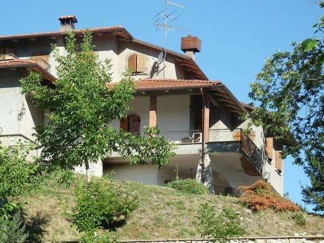 Casa con vista a Villa