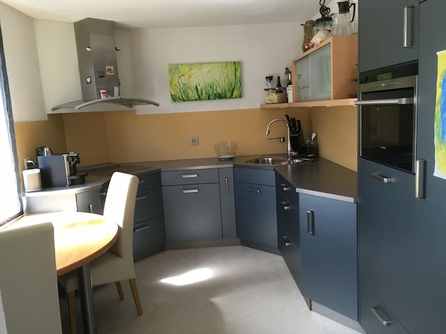 Modern 4-room flat near City & Messe Basel - Birsfelden