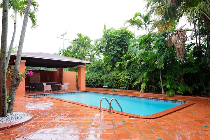 Family Friendly Villa with Pool - マイアミ - 別荘