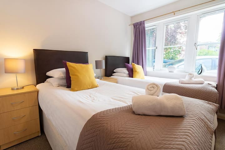 Room 2. The Manor Serviced Apartments Headington are set up to be a twin beds and can be set up as a kingsize double bed. Just let us know in advance of your stay with us at Short Stays.