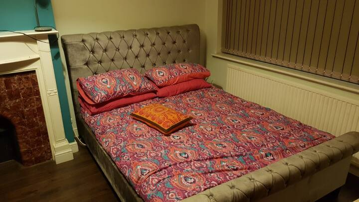 Beautiful room in newly refurbished home