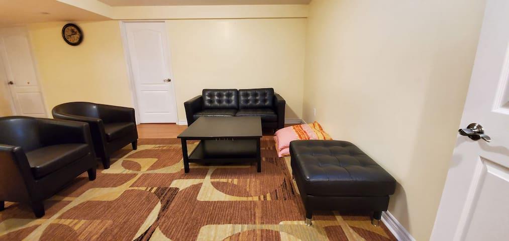 Very Bright Spacious Private Apartment