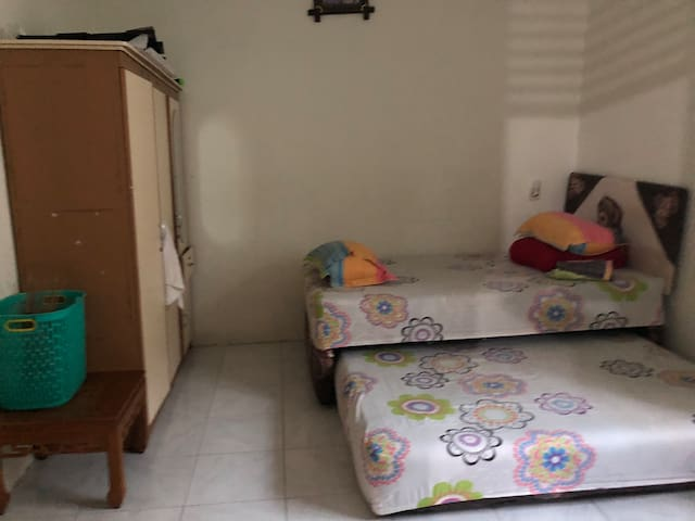 Comfy room near Mall Ciputra