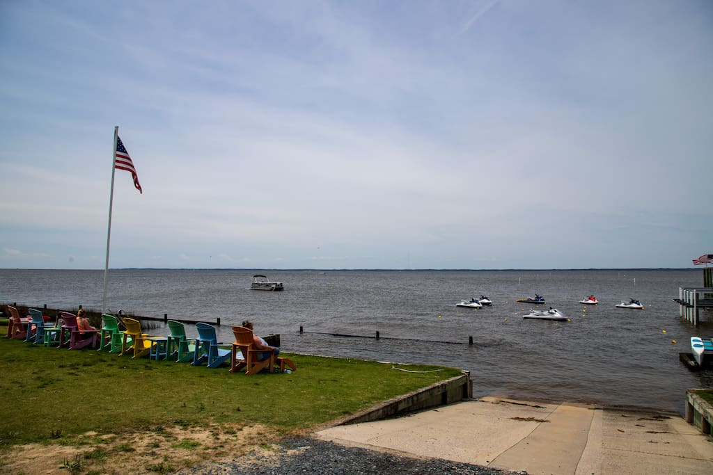 Walking distance to this sound access to launch your kayak or rent a water vessel of your choice at North Beach Rentals!
