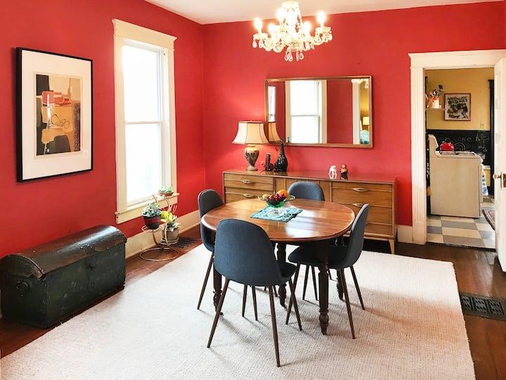 Private Beloit Apartment-Beloit College