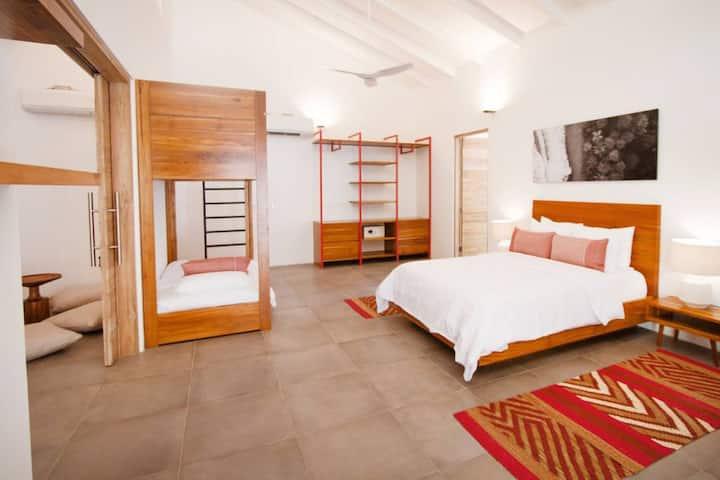 The Gilded Iguana Surf Hotel Surf Suite