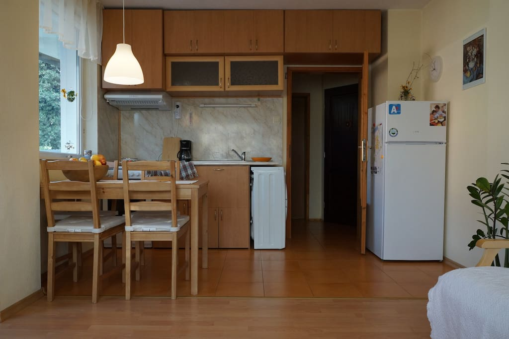 The fully equipped kitchen allows you prepare your own food and drinks