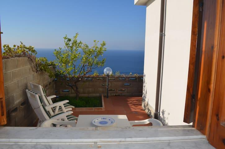 Villetta Calavà con splendido panorama - Calavà - บ้าน