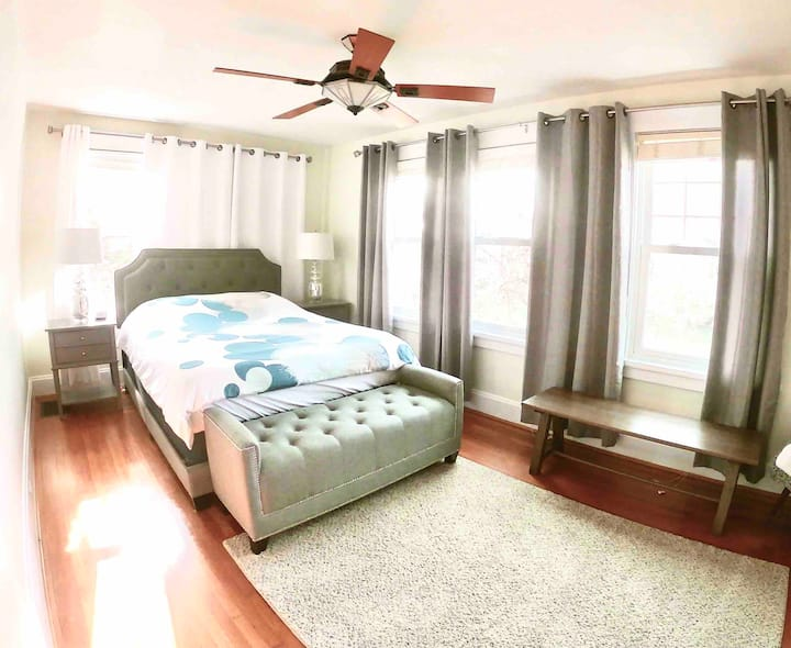 Quiet & cozy master suite in safe neighborhood