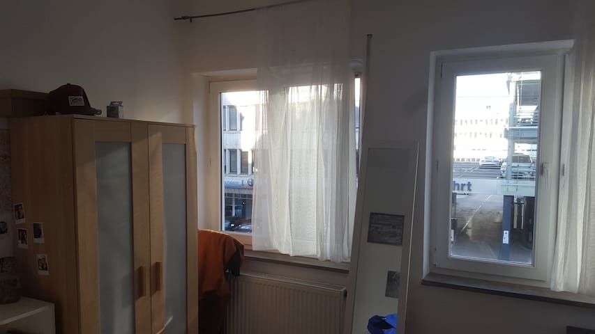 Room in Stuttgart Ost 10min from central station