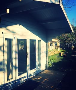 Beautiful wood cabin (Duck Tales). - Farnham - Cabana