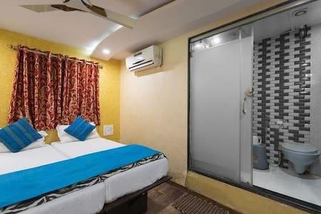 Hotel Grand Inn, Mumbai - Bombay