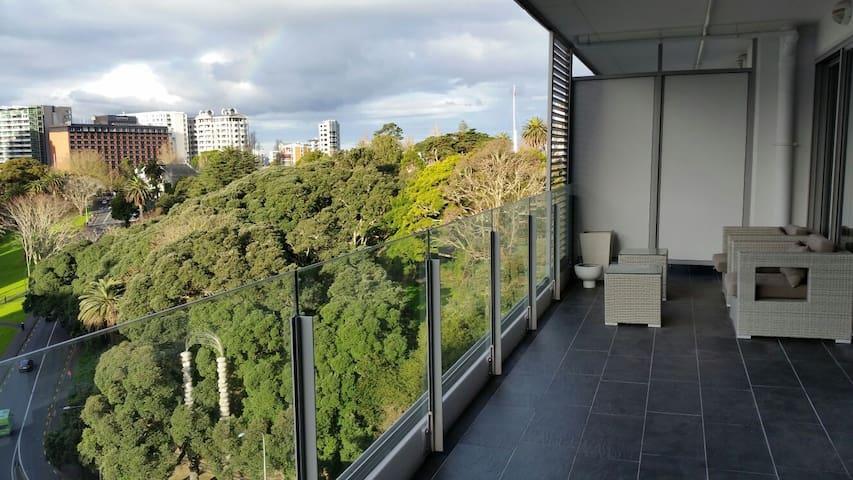 Walk everywhere! Enjoy Auckland in style!!