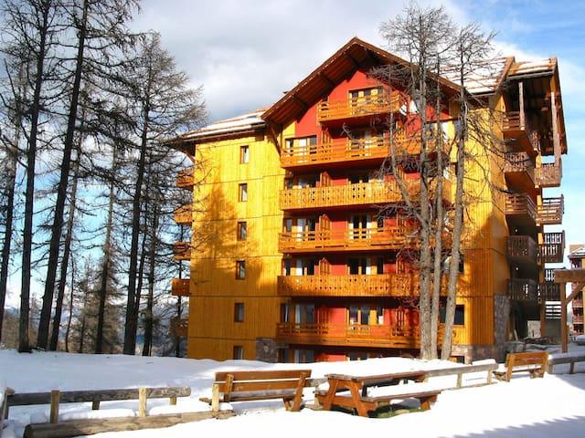 Residence - 210-3