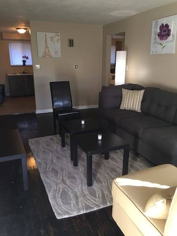 3861 Briar Place Unit 1 - 2 Bed 1 Bath Apartment - Dayton - Lakás