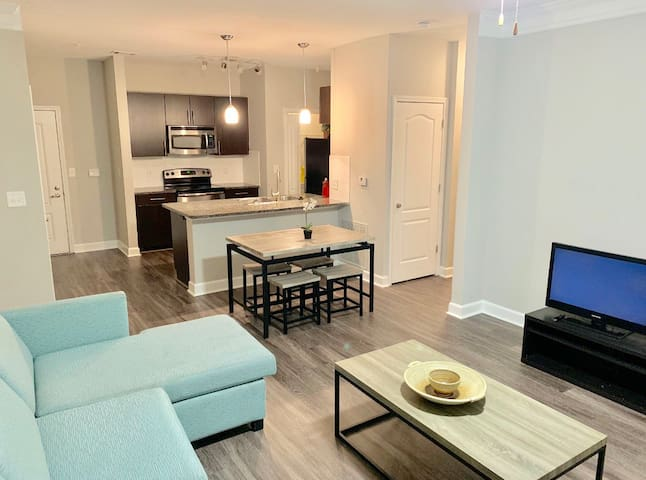 ATL Perimeter Mall $2185 month Everything included