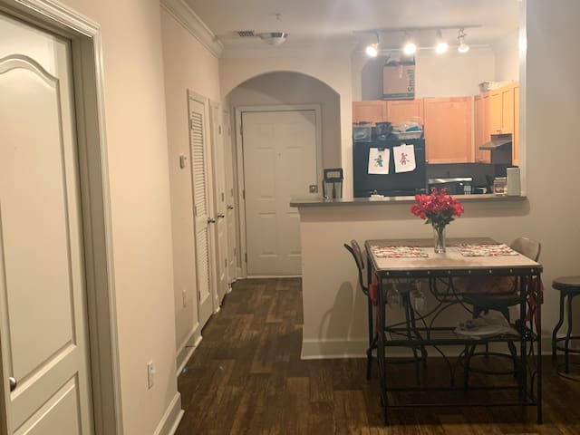 Cozy 1 bedroom 1 bathroom in Near Emory