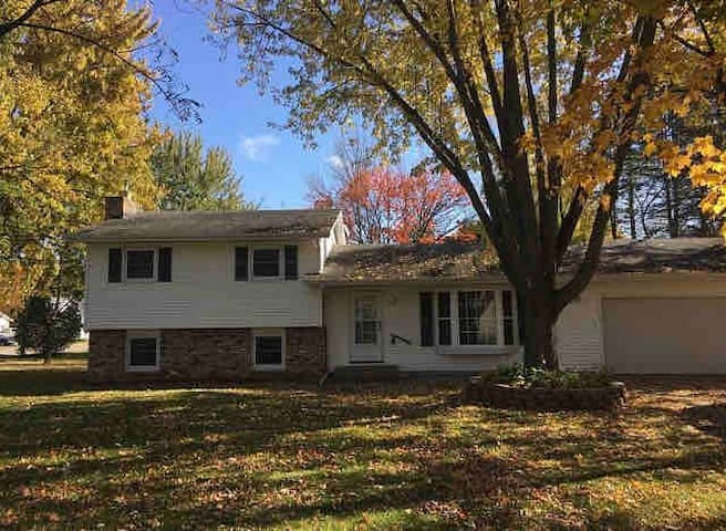 Newly redone-3 bedroom house in Princeton