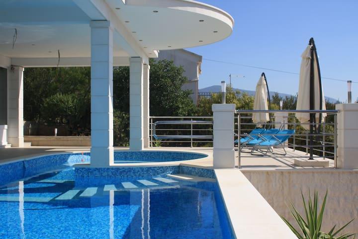 Apartments Marelic - Sun Beach *** - Suite A6