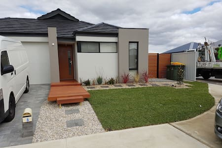 Swan Valley abode - House