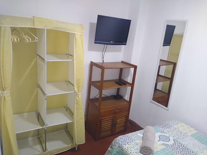 ►Günstiges Zimmer in zentraler Wohnung Lima 1-2P