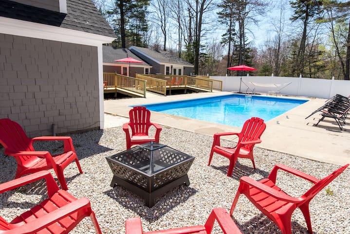 Kennebunk/Kennebunkport Beach House w/Pool!
