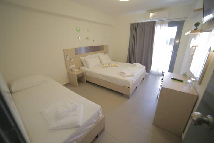 ECO PARALIA - Comfort Triple Room