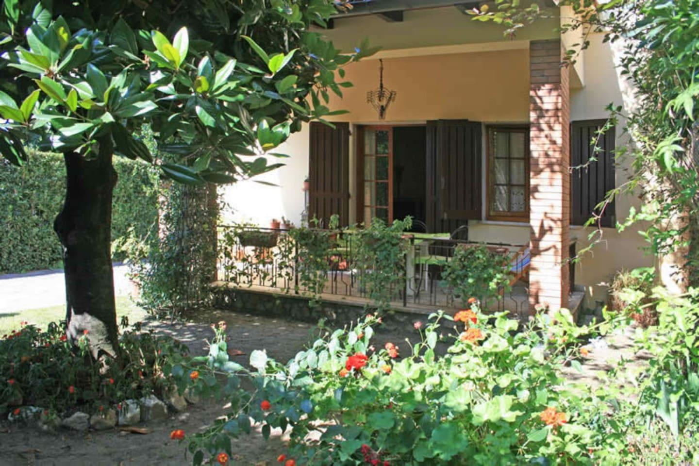 Balcony / Terrace / Patio
