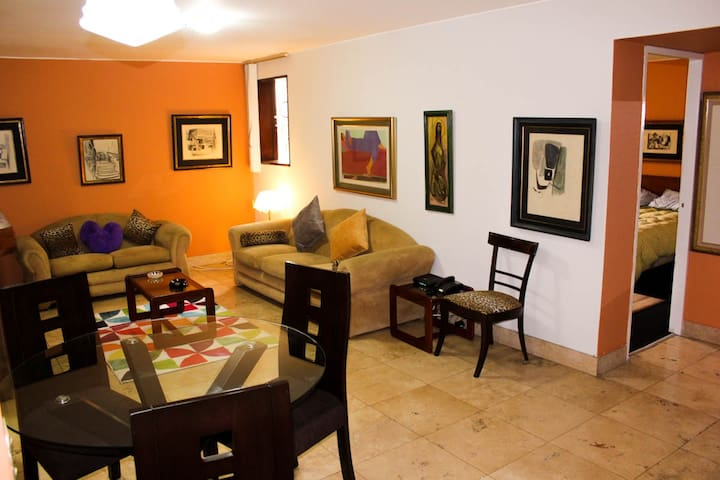 Heart of Miraflores, Cozy and Confy Apartment .