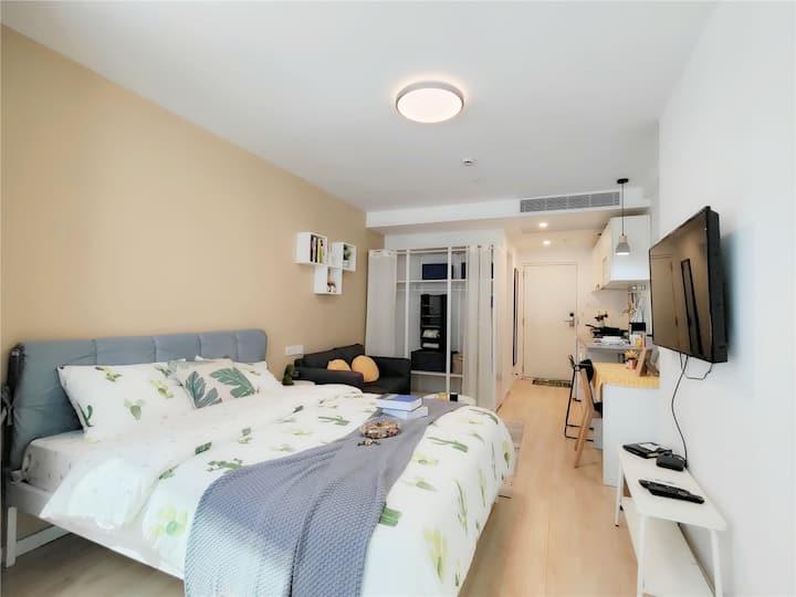 30天起租,精装一室户,靠近地铁1/12/13号线汉中路站,魔方公寓汉中路