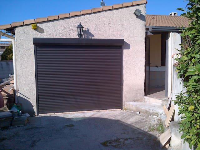 suite 24m2 - futur studio - Gignac-la-Nerthe - Casa