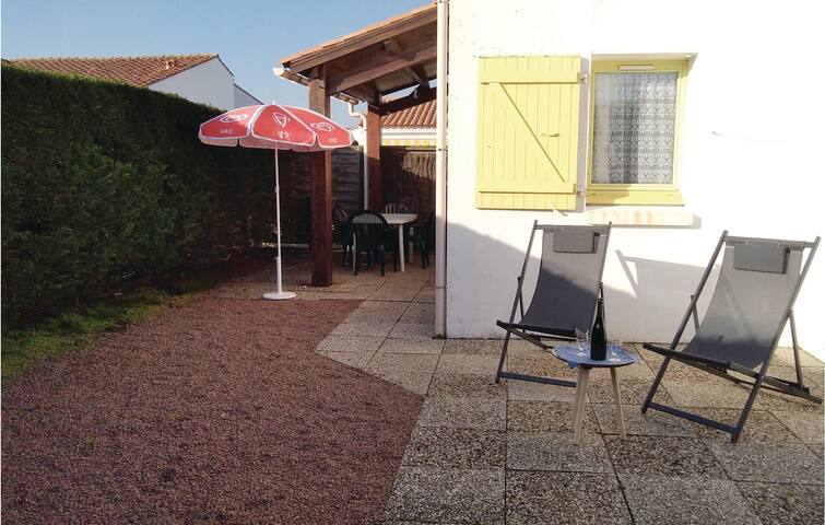 Holiday cottage with 1 bedroom on 38m² in La Tranche sur Mer