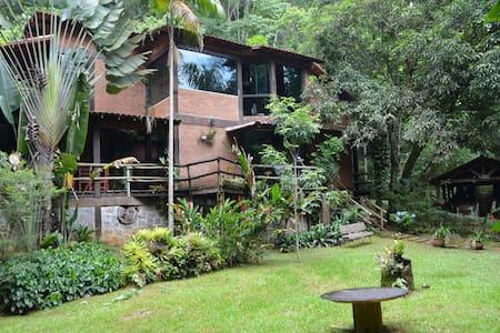 Penedo/RJ - Linda Casa de Campo - Itatiaia - Huis