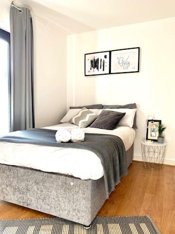 Cozy room//duplex apartment/near temple bar