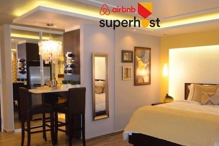 AIRBNB SUPERHOST! LUXURY SUITE STUDIO- ISLA VERDE