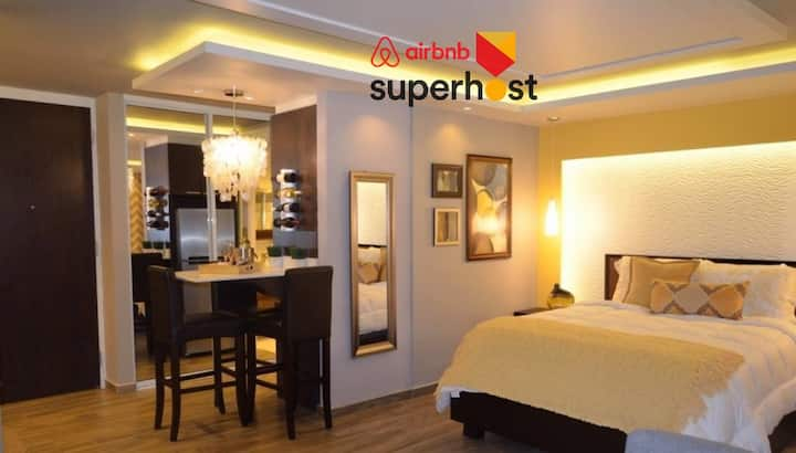 AIRBNB SUPERHOST! LUXURY SUITE STUDIO -ISLA VERDE!