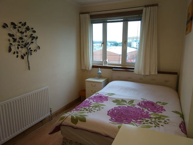 Room in two level flat in Edinburgh